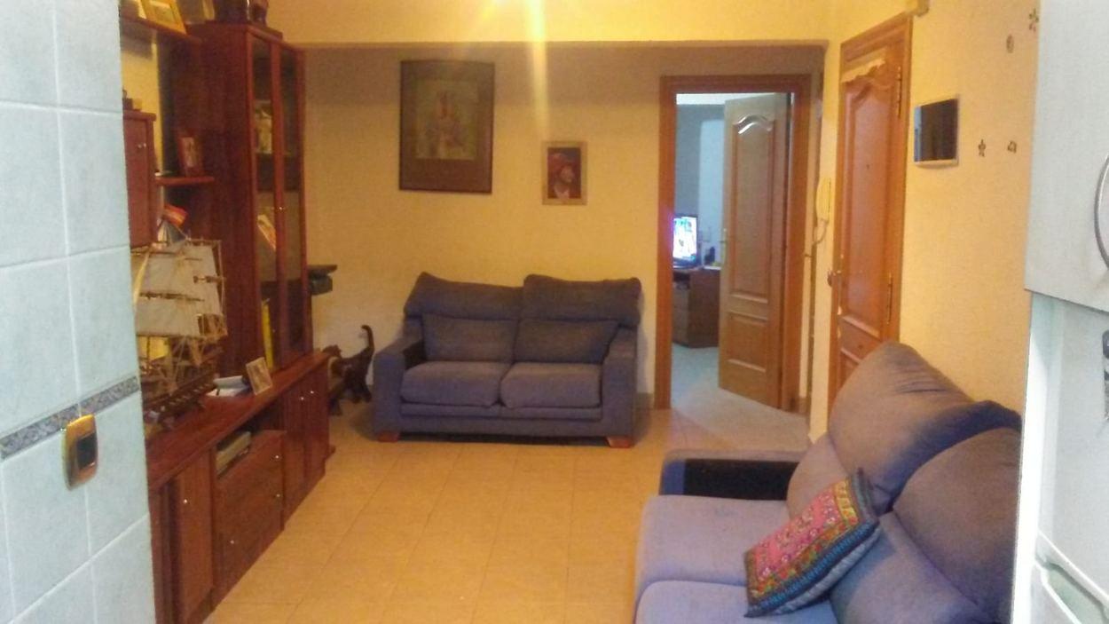 Piso de dos dormitorios en calle Venezuela (REF: v-1) - foto 2 05df91d0-3dbe-4009-ab8f-6d8abcd07e26.jpg