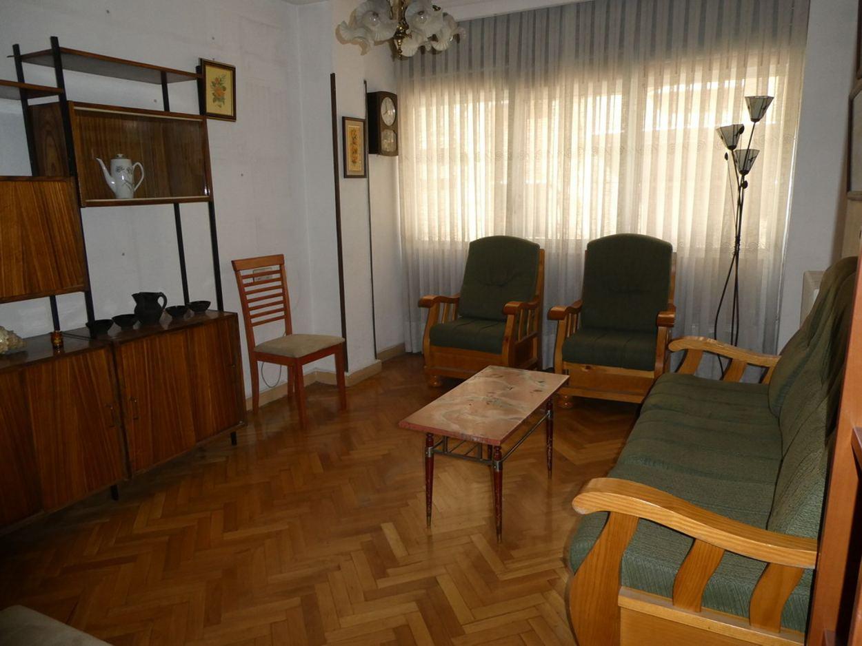 PISO  DE TRES DORMITORIOS EN CALLE RODRIGUEZ FABRÉS (REF: 0701) - foto 14 0701-1-salon.jpg