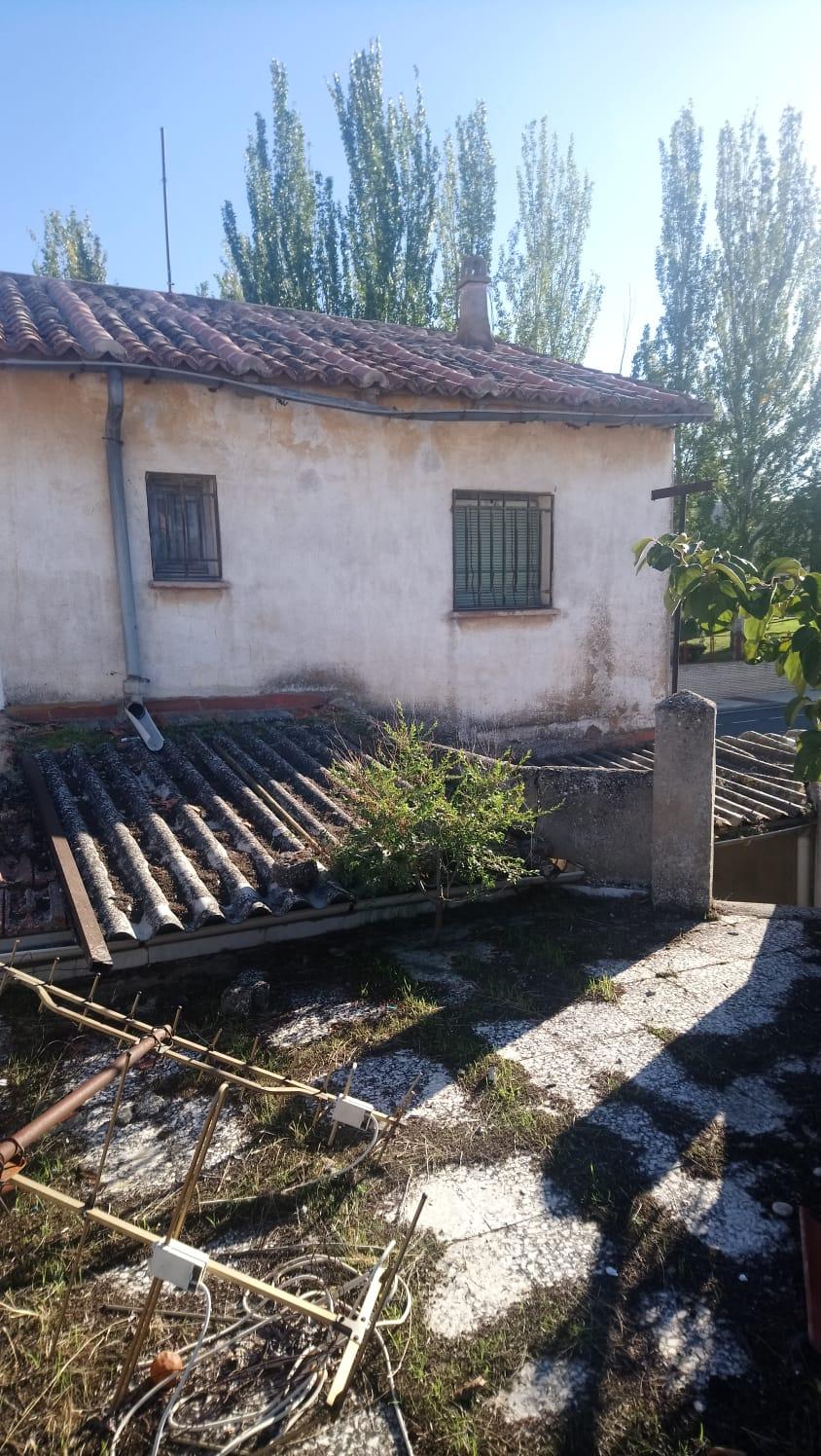 CASA CON GARAJE Y TERRAZA EN BARRIO DE LA VEGA (REF: 202) - foto 5 08613483-6135-4e78-8f58-c0d895045e1b.jpg