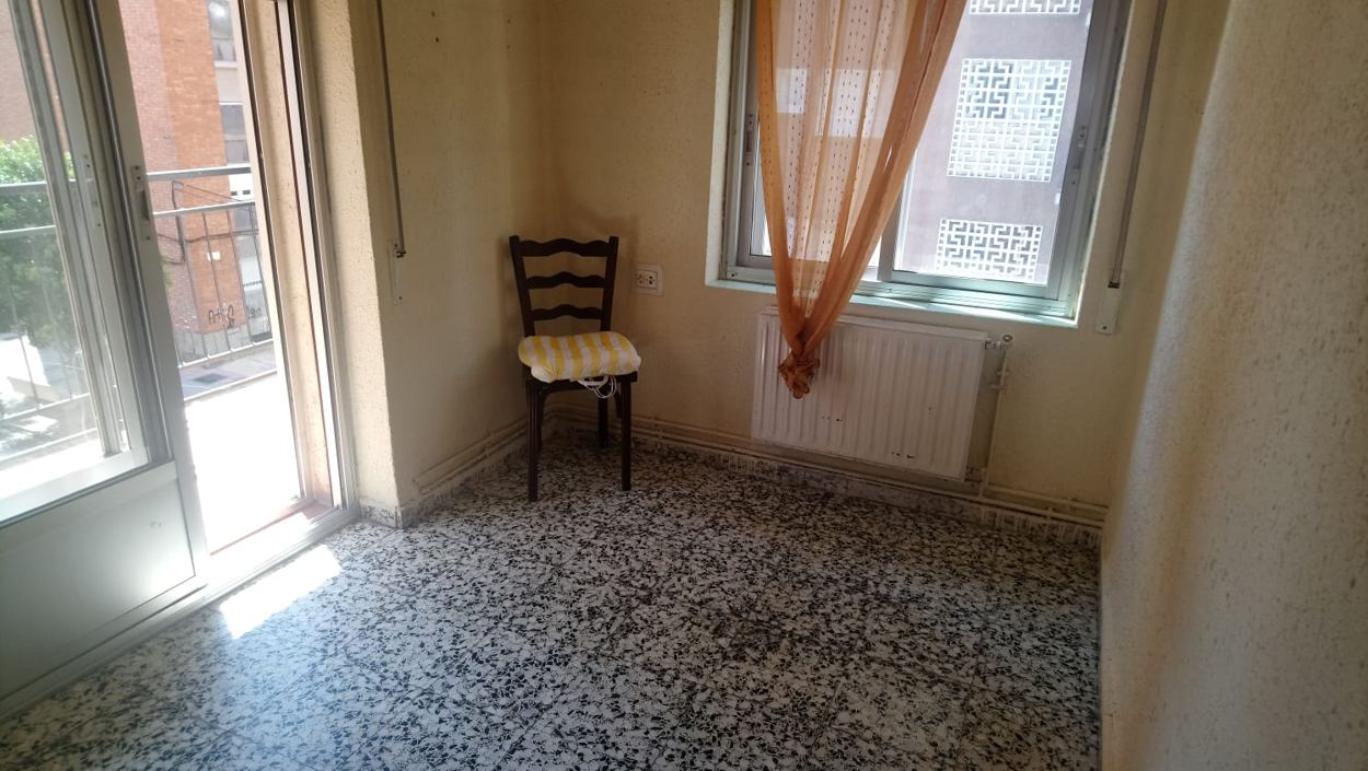 piso de cuatro dormitorios en federico anaya (REF: 15) - foto 2 12709618-3fb5-4969-b211-48010e69b10d.jpg