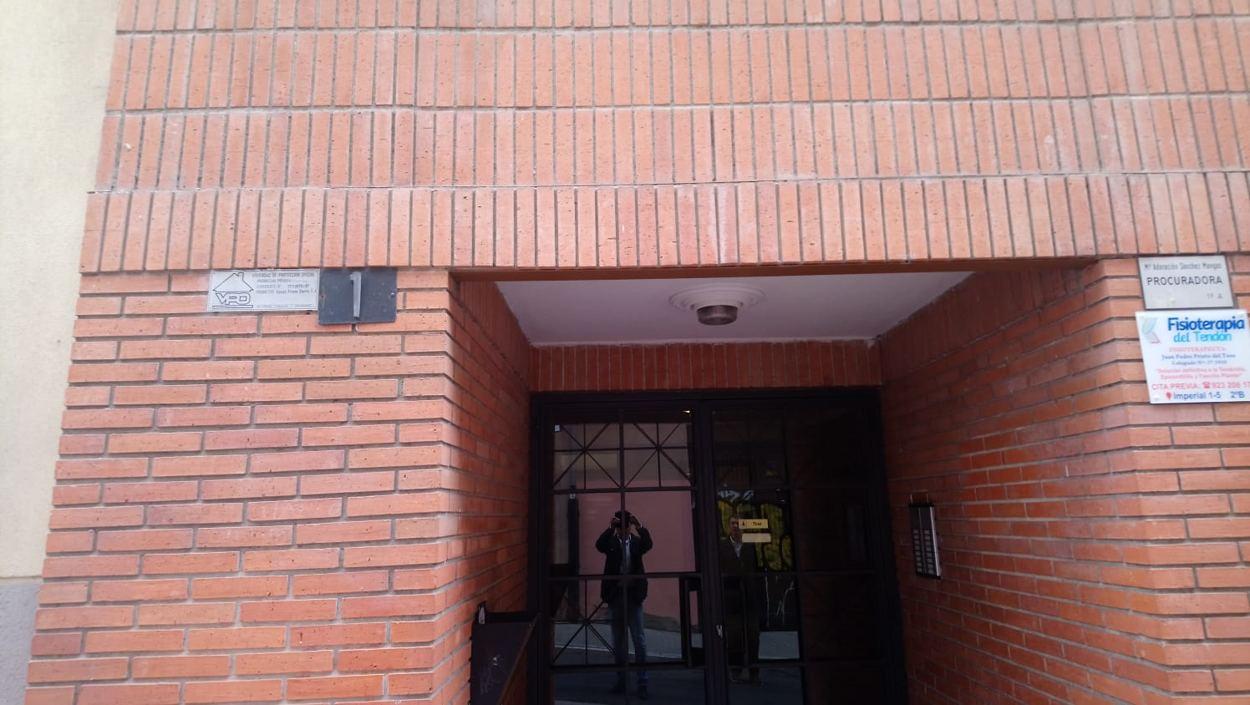 PISO DE TRES DORMITORIOS  EN CALLE IMPERIAL (REF: 63-LL) - foto 6 47180eae-63af-4024-9738-19ca6e17cd8d.jpg