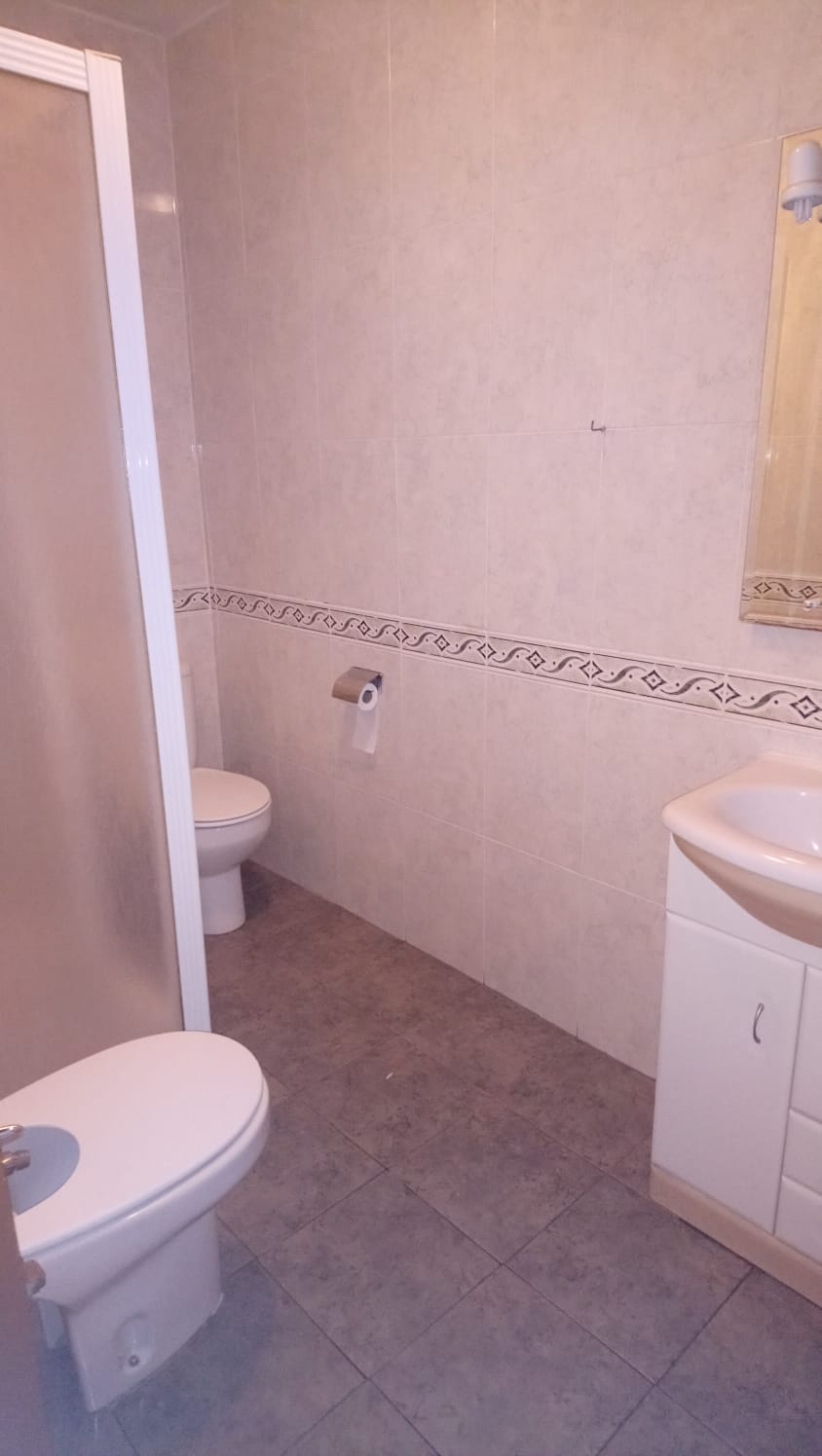 piso de cuatro dormitorios en federico anaya (REF: 15) - foto 4 5652cd29-6bf0-4137-b847-0ece5b436c59.jpg