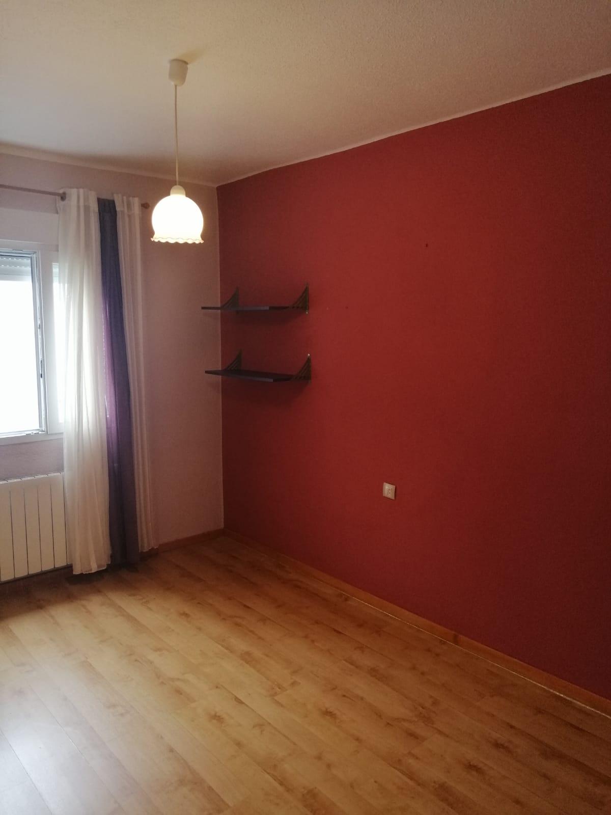 Piso de tres dormitorios junto a corte inglés (REF: 53) - foto 20 71b51f33-1771-4f51-8a35-dcd97f2b2919.jpg