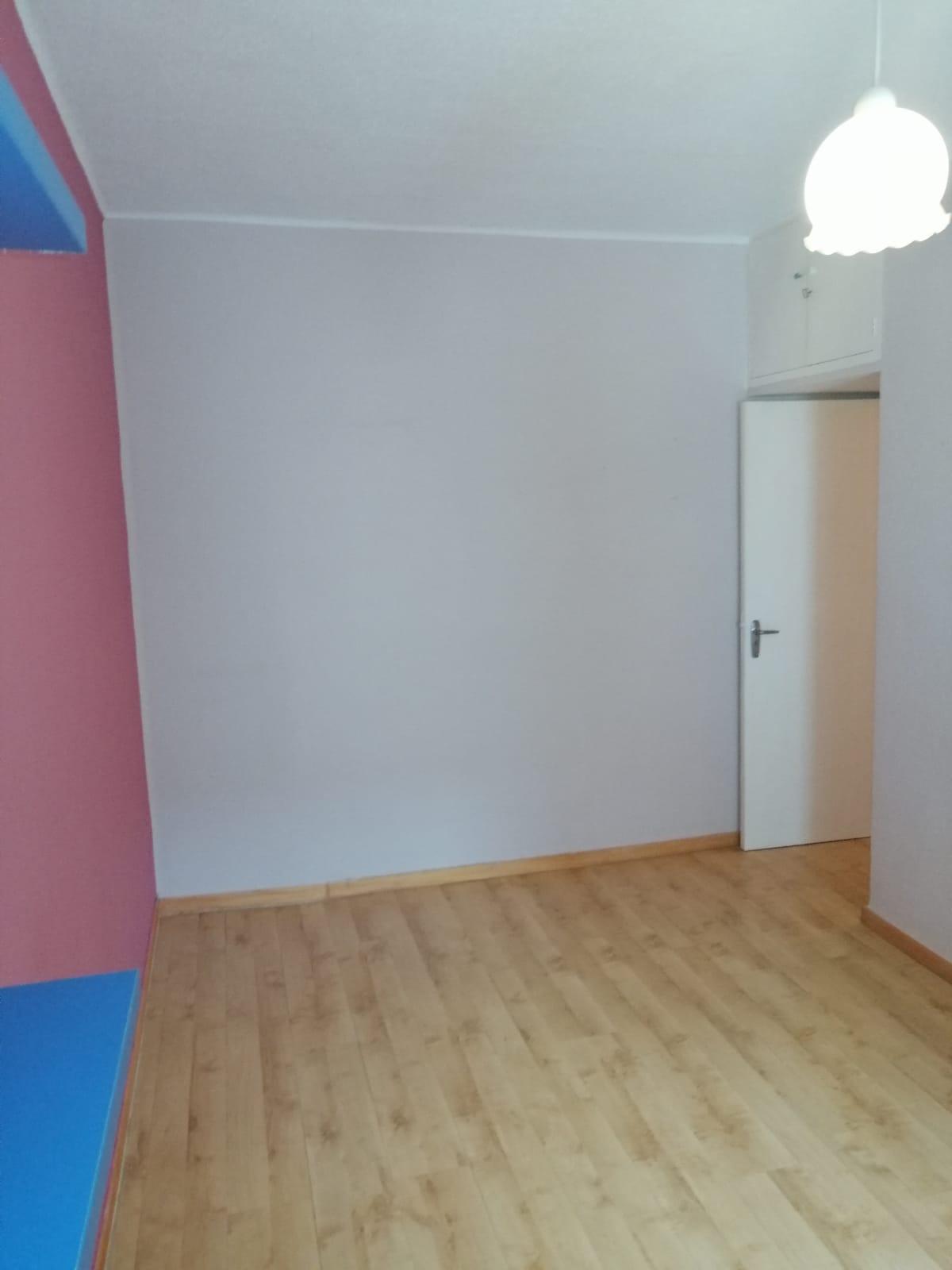 Piso de tres dormitorios junto a corte inglés (REF: 53) - foto 25 7e10d017-a365-48a8-878b-d20f048ce53e.jpg
