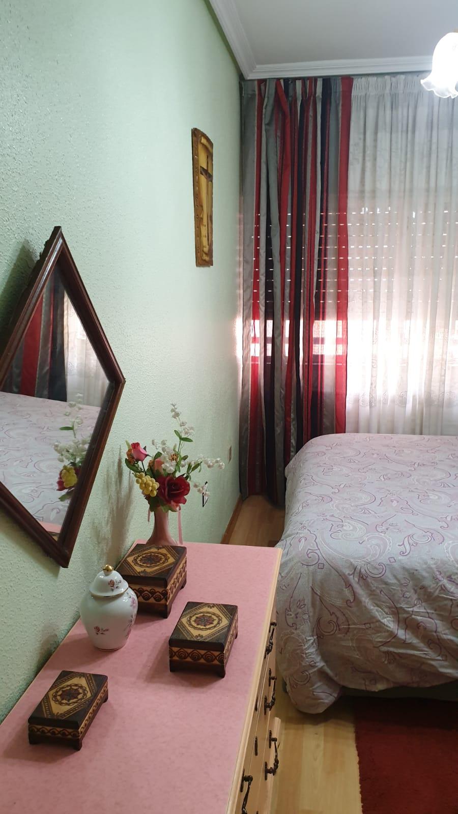 Piso de tres dormitorios junto a corte inglés (REF: 26) - foto 12 868cfd8f-92aa-43a1-a4e5-0d2fea090a33.jpg