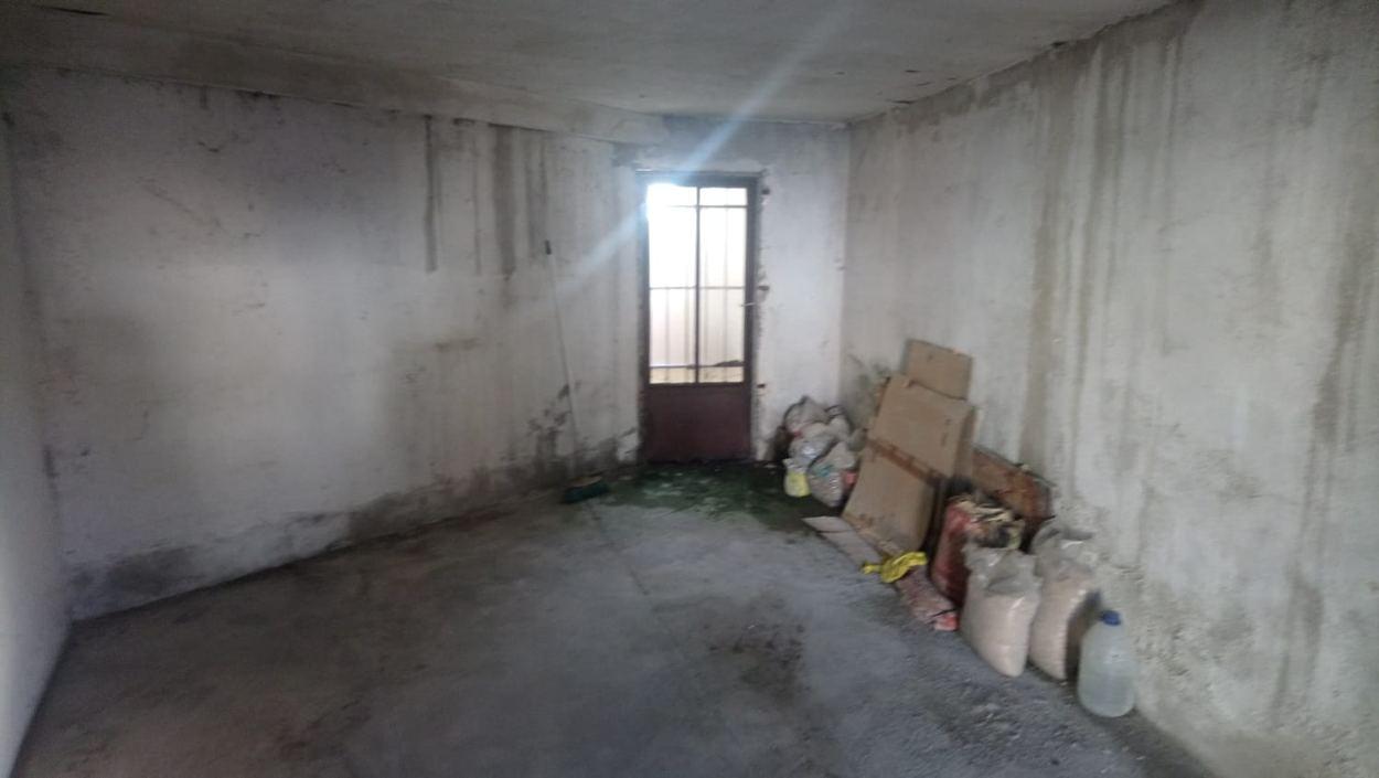 CASA CON GARAJE Y TERRAZA EN BARRIO DE LA VEGA (REF: 202) - foto 6 891918df-4584-4279-a4e9-6fdc328c2c1e.jpg