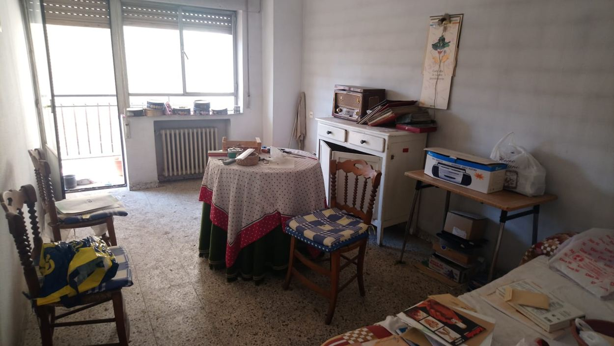 piso en avenida de portugal para refomar (REF: 52) - foto 1 95d34899-5493-44a8-9548-6602ddb6414f.jpg