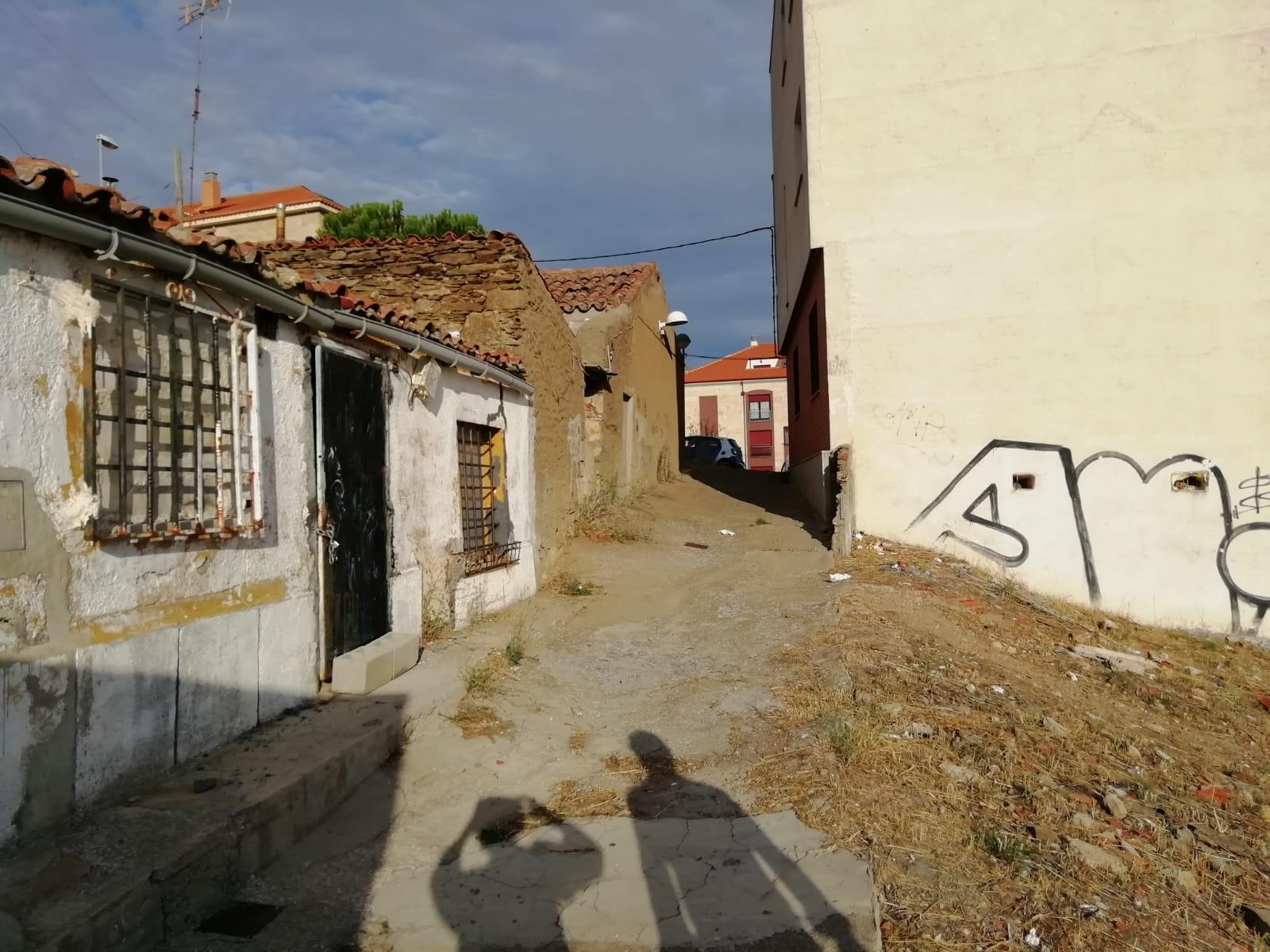 CASA PARA DERRUIR EN ZONA CEMENTERIO (REF: CORR-1) - foto 4 97eefbd6-5f7b-43ff-af7c-5609b89b18ee.jpg
