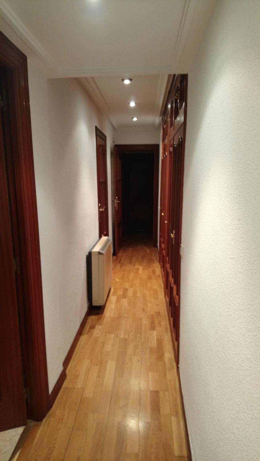 piso de tres dormitorios junto corte inglés (REF: 40) - foto 2 IMG-20171221-WA0012.jpg