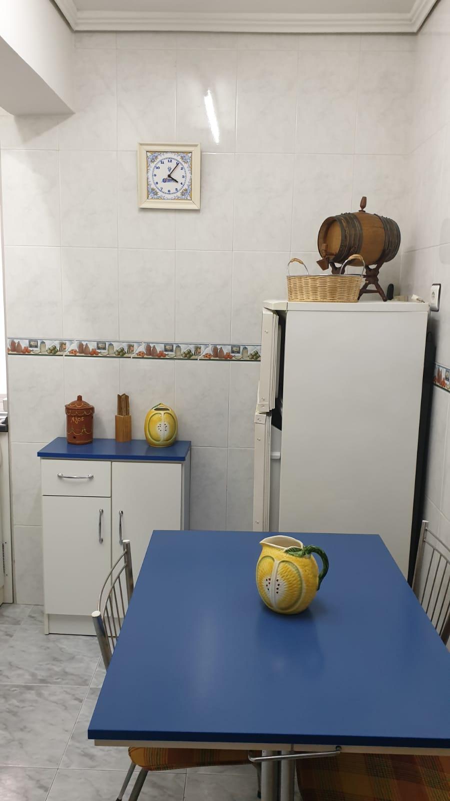 Piso de tres dormitorios junto a corte inglés (REF: 26) - foto 5 ac416810-b9ff-430b-82e8-e75e41028788.jpg