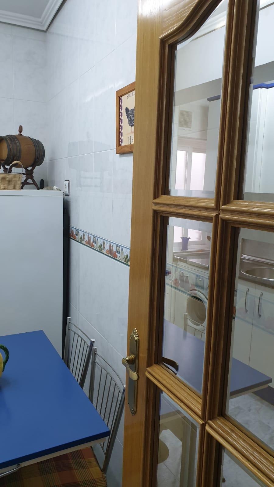 Piso de tres dormitorios junto a corte inglés (REF: 26) - foto 3 d01ce425-e9b5-467d-a9a3-7eb1a7c8af4e.jpg