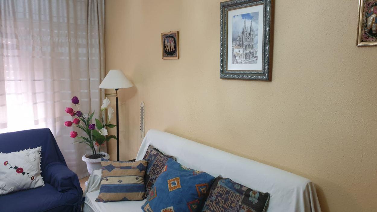 Piso de tres dormitorios junto a corte inglés (REF: 26) - foto 2 d2ecaade-b173-4d0e-88af-b361c7e76d59.jpg