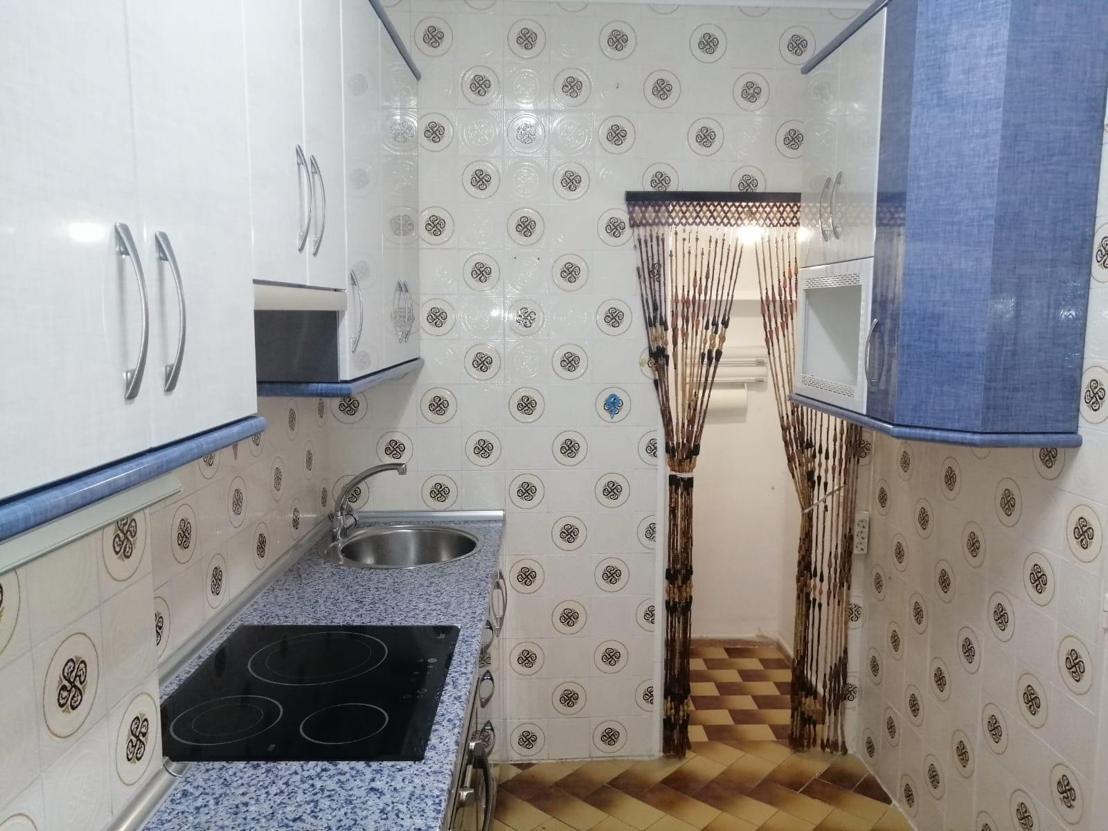 Piso de tres dormitorios junto a corte inglés (REF: 53) - foto 1 da4a1d07-f462-43bc-a756-e84dfc5ec74f.jpg